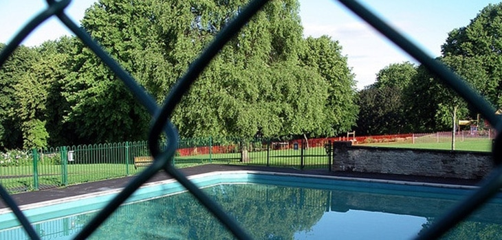 A pool fence can impact settlement